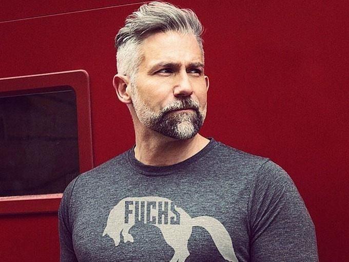 40 лет стрижки мужские для седых волос