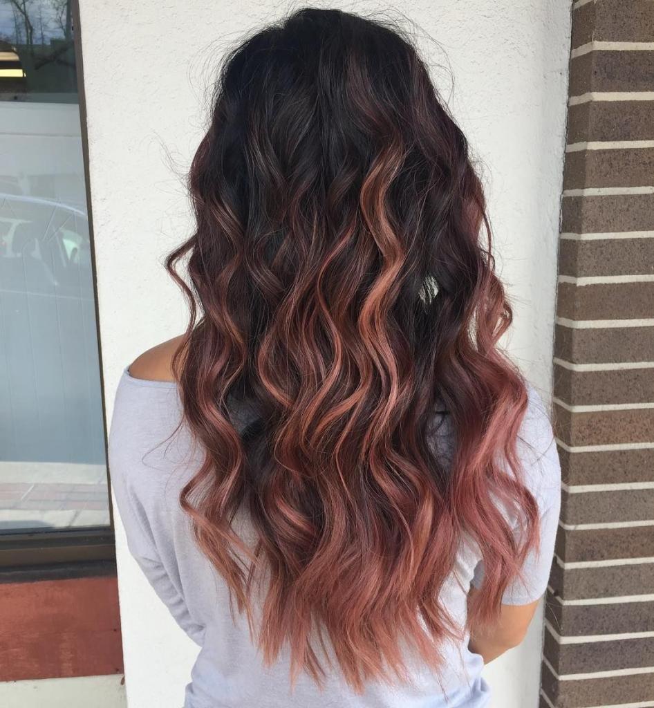 розовое омбре на черных волосах