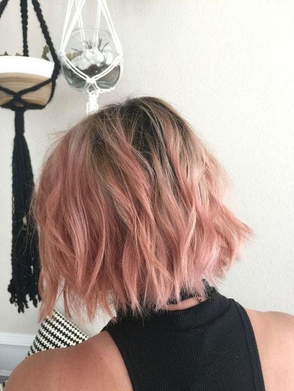 розовое омбре на коротких волосах