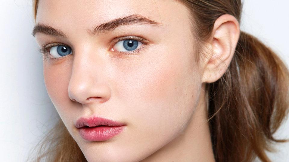 Натуральная косметика ухаживает за кожей