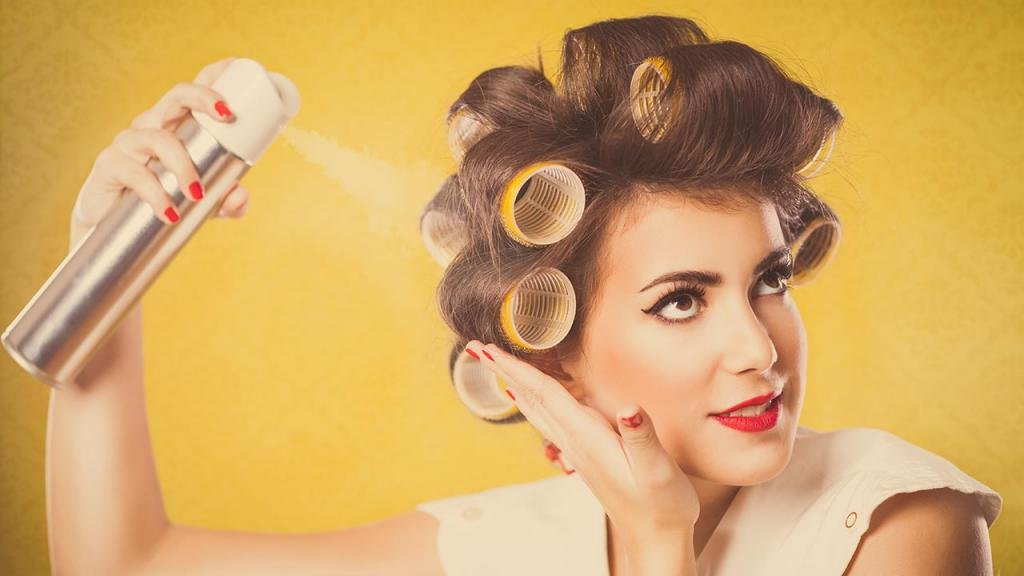 использование лака для волос