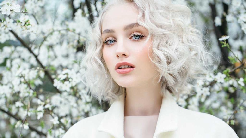 Красивый белый цвет волос