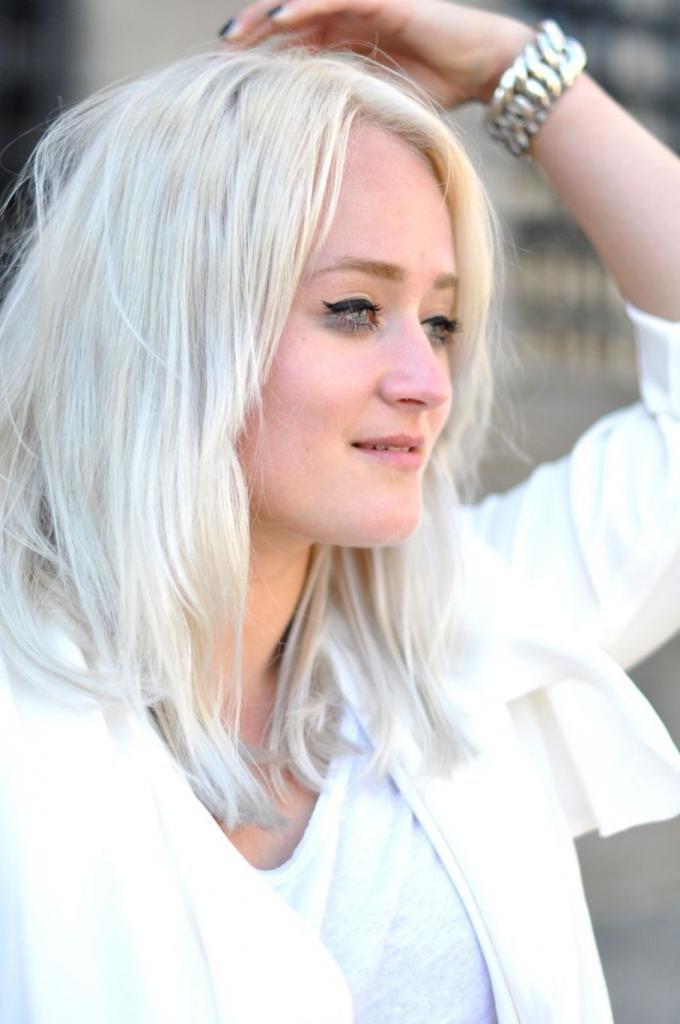 оттенки белого цвета волос