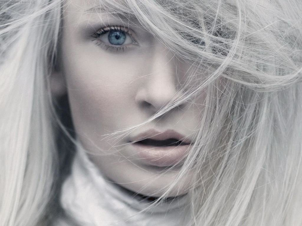 белые волосы и внешность