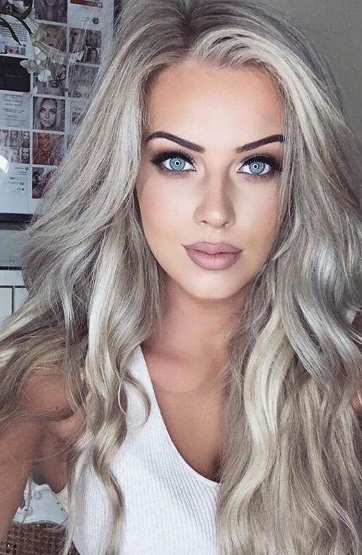 пепельно-белые волосы