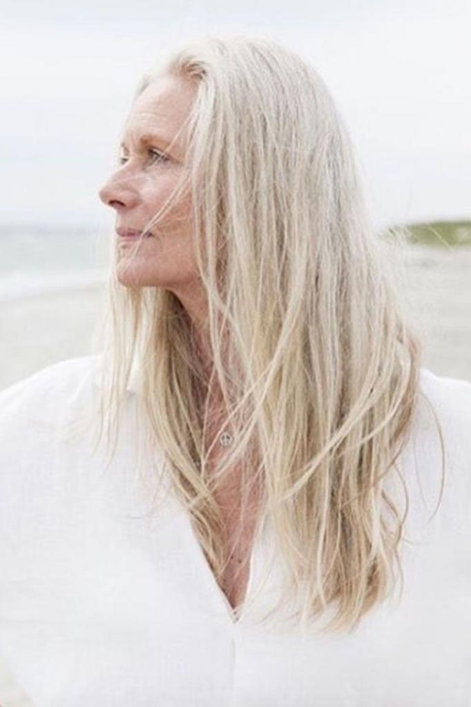 бежево-льняной белый оттенок волос