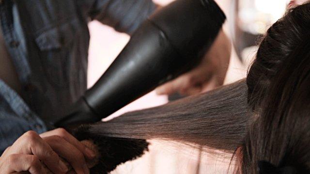 фен расческа для укладки волос браун