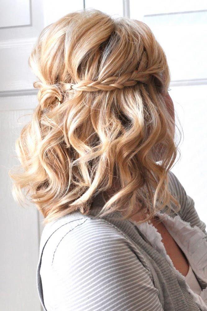 Плетение в волосах
