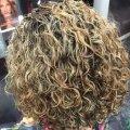 Лучшие варианты химии на средние волосы