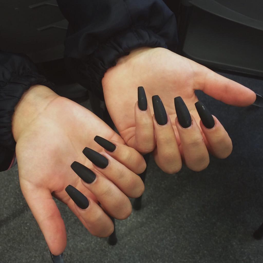 черные ногти длинные