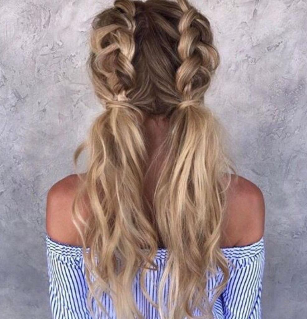 Два хвоста с французскими косами