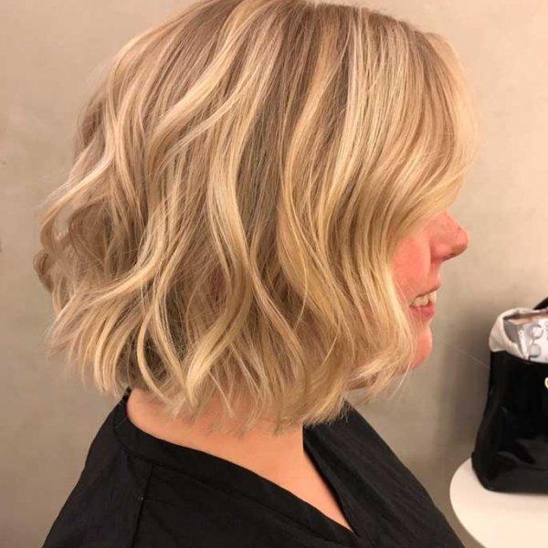 Брондирование на светлых коротких волосах