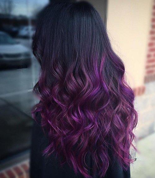 темно-фиолетовое омбре на черных волосах