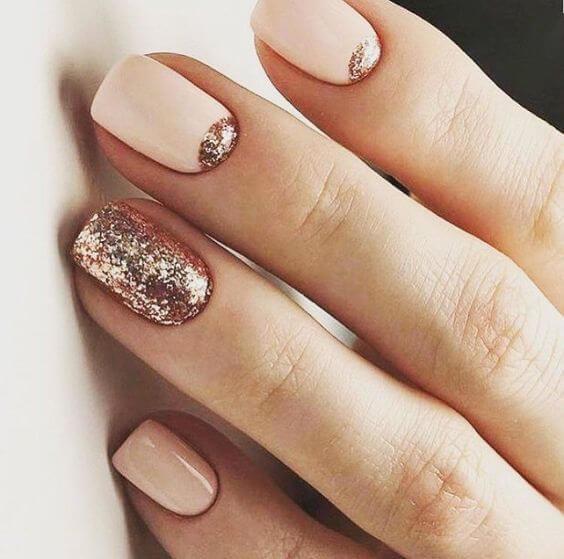 Дизайн пудровых ногтей