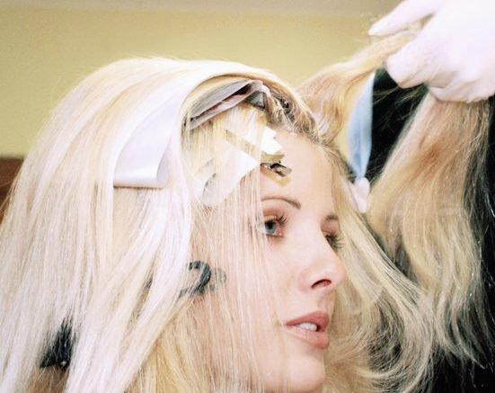 как убрать желтизну с волос после осветления
