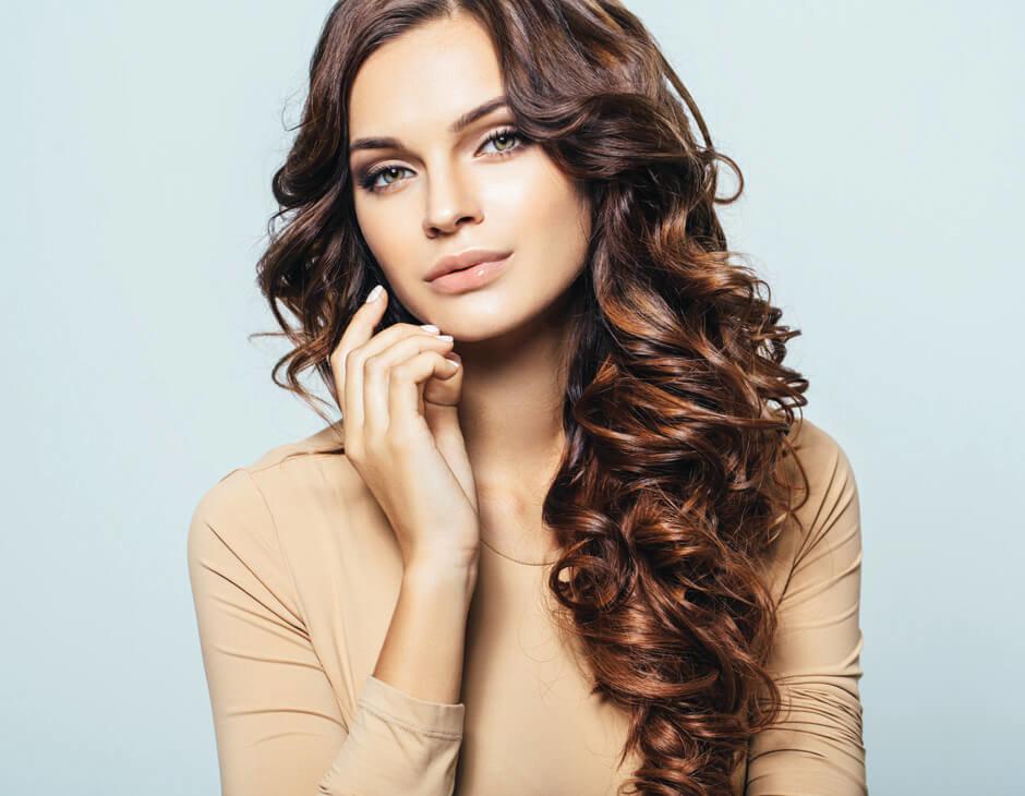 волосы красивой женщины
