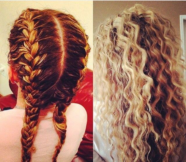 Плетение кос для волн на волосах