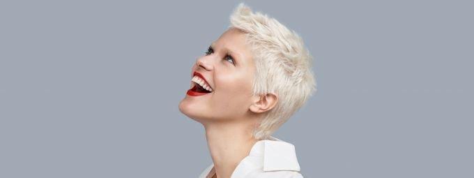 Как уложить волосы и не повредить их структуру