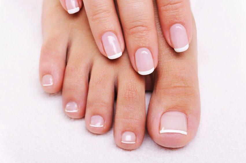 френч на ногтях на ноги