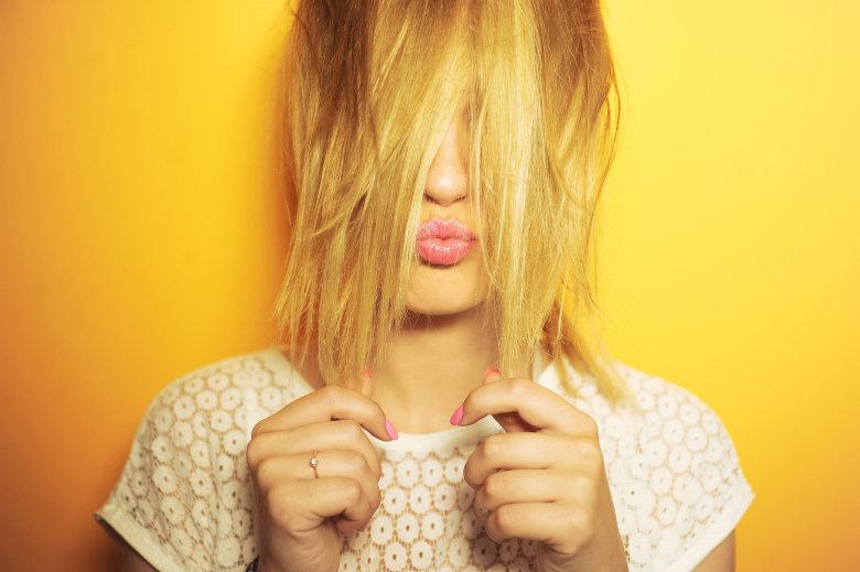 желтый цвет волос после обесцвечивания