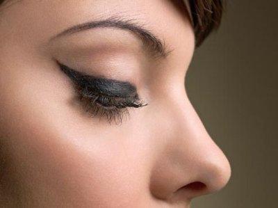 Как правильнорисовать стрелкина глазах