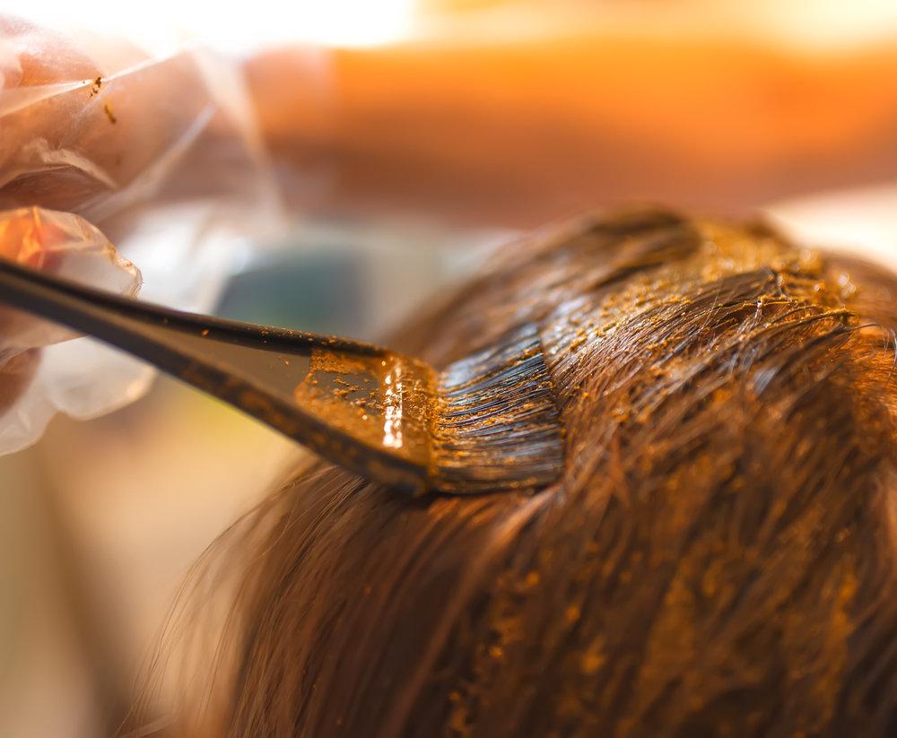 окрашивание волос натуральными красителями