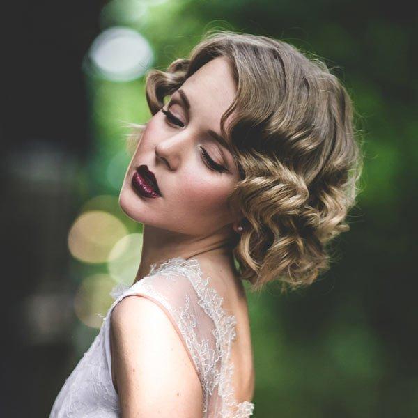 укладка плойкой волна на средние волосы