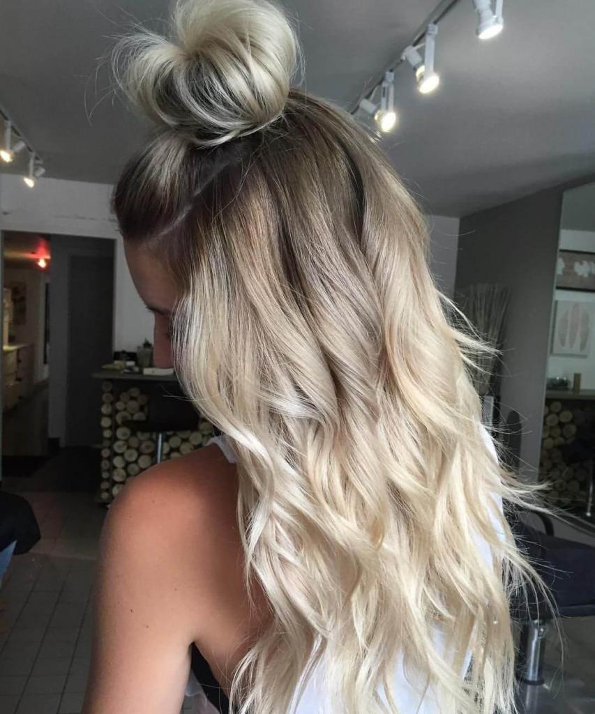 окрашивание в блонд отросших корней