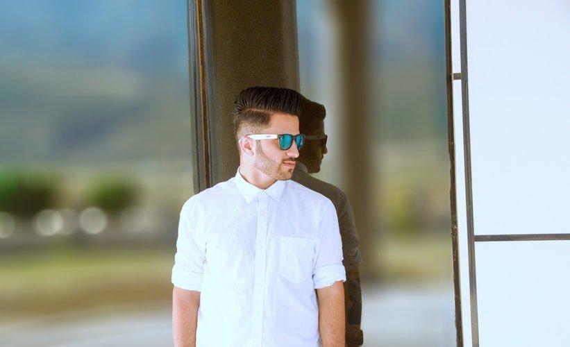 стильно фото мужчины с выбритыми висками