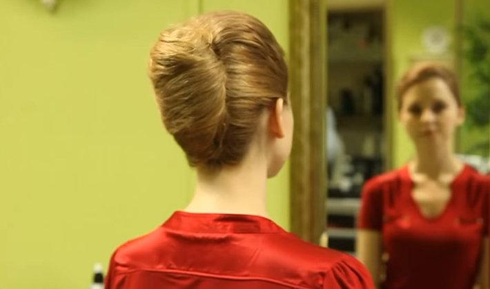 прически с бигудями на средние волосы