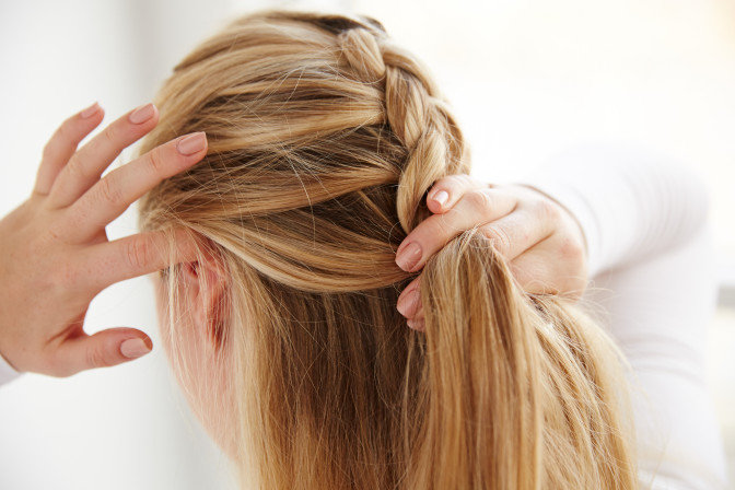 плетение кос себе самой
