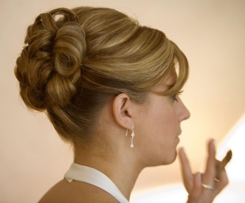 как заколоть короткие волосы красиво