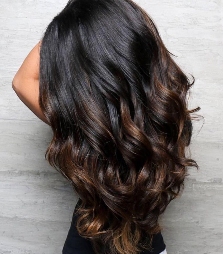 Окрашивание балаяж на концах волос.