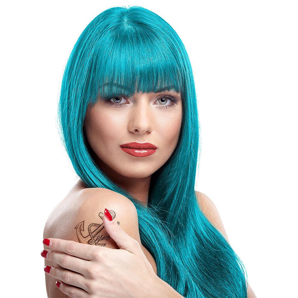 Длинные волосы бирюзового цвета