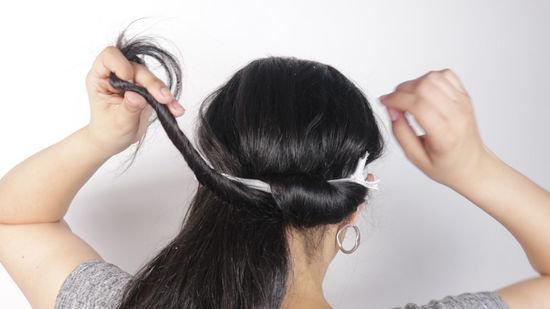 Накручивание волос на спортивную ленту