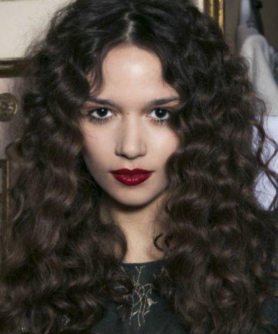 Как накрутить волосы без бигуди и плойки: подручные средства и способы накрутки