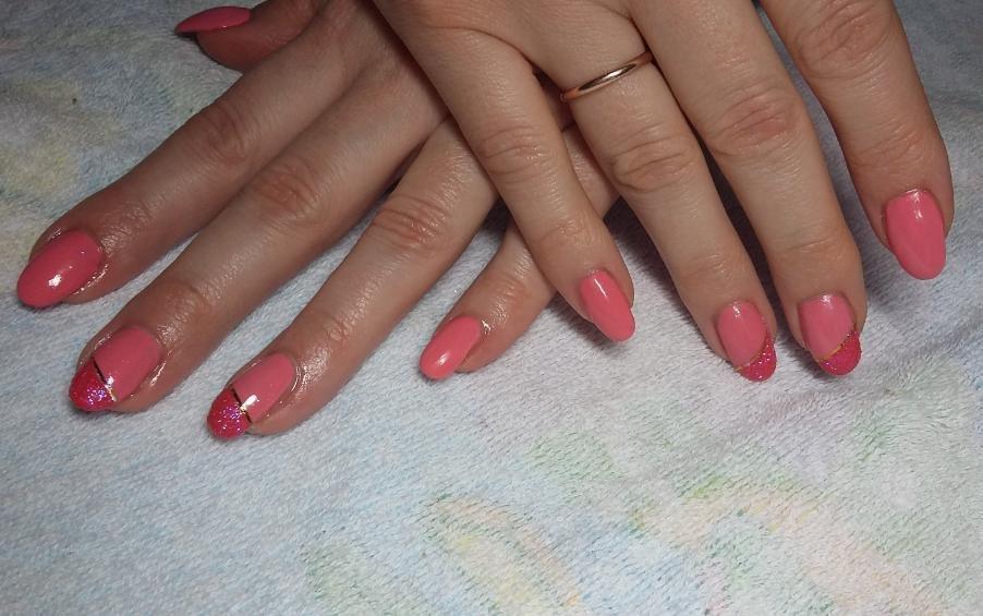 коралловый дизайн ногтей