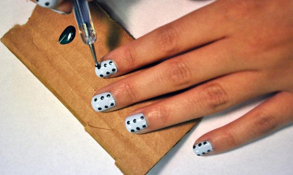 как сделать маникюр с точками