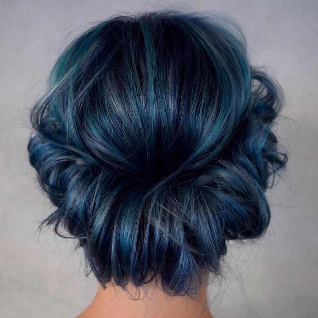 мелирование синим цветом