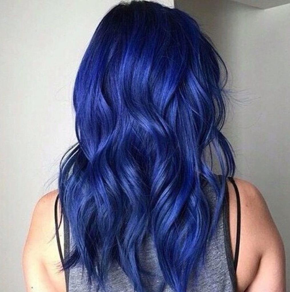 ярко-синий цвет волос