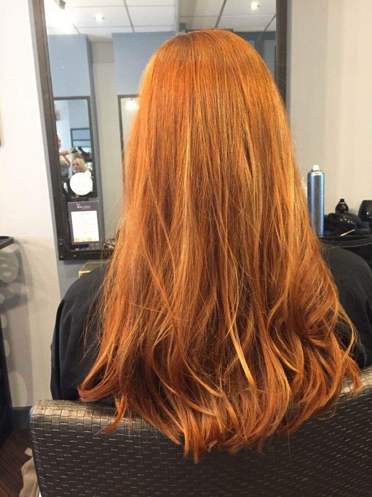 яркий медный цвет волос