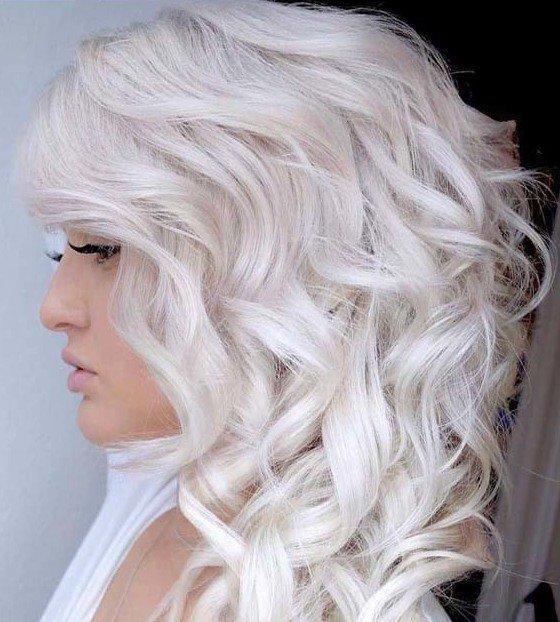 Платиновая блондинка.