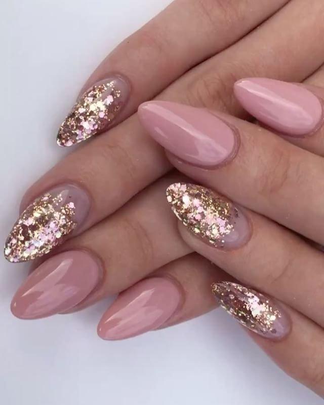 как красиво нанести блестки на ногти