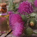 Как пользоваться репейным маслом для волос: рецепты, советы и рекомендации
