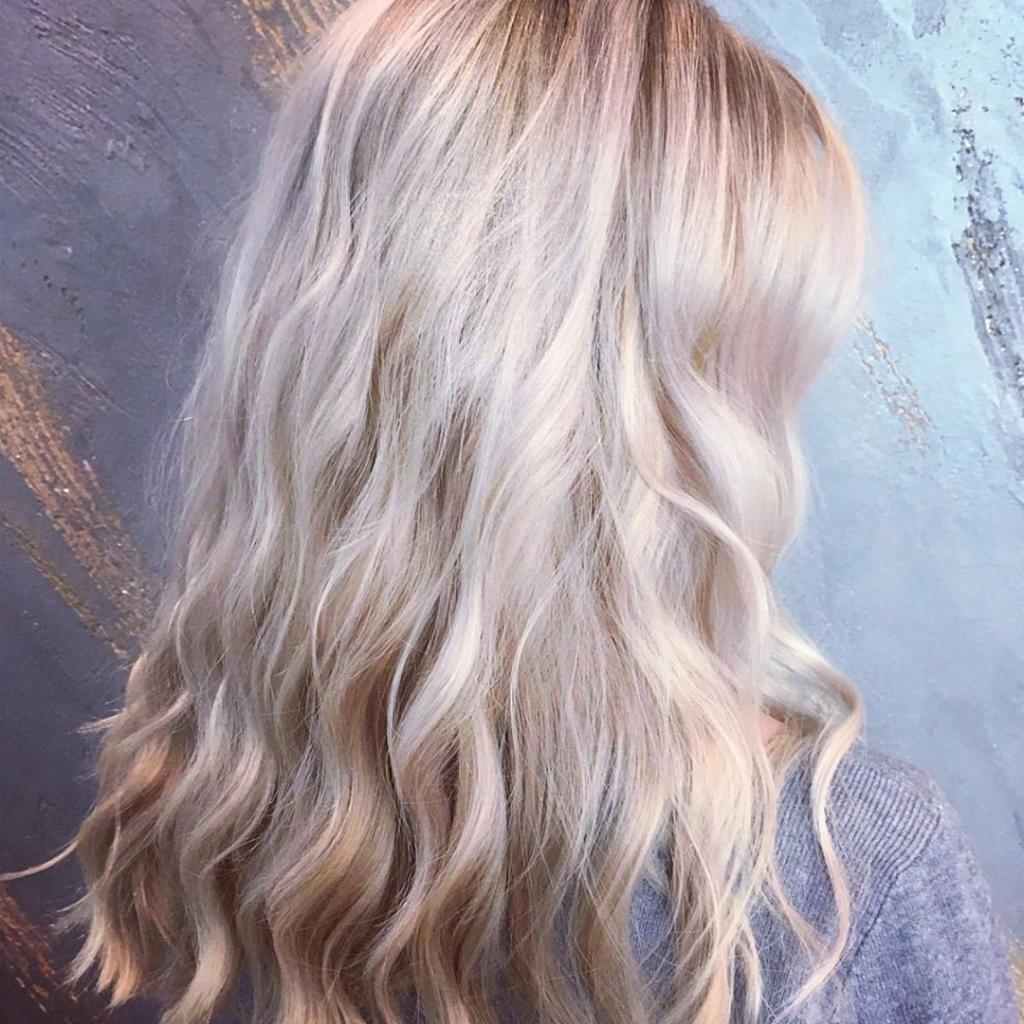 Техника окрашивания шатуш на блондинках