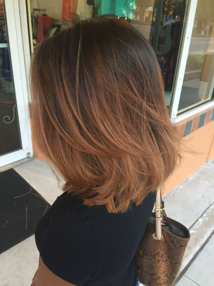 градуированная стрижка на средние тонкие волосы