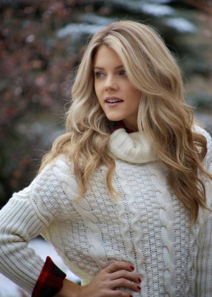 Светло-золотистые волосы