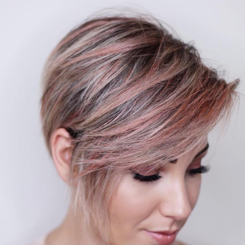 Прическа без укладки на короткие волосы