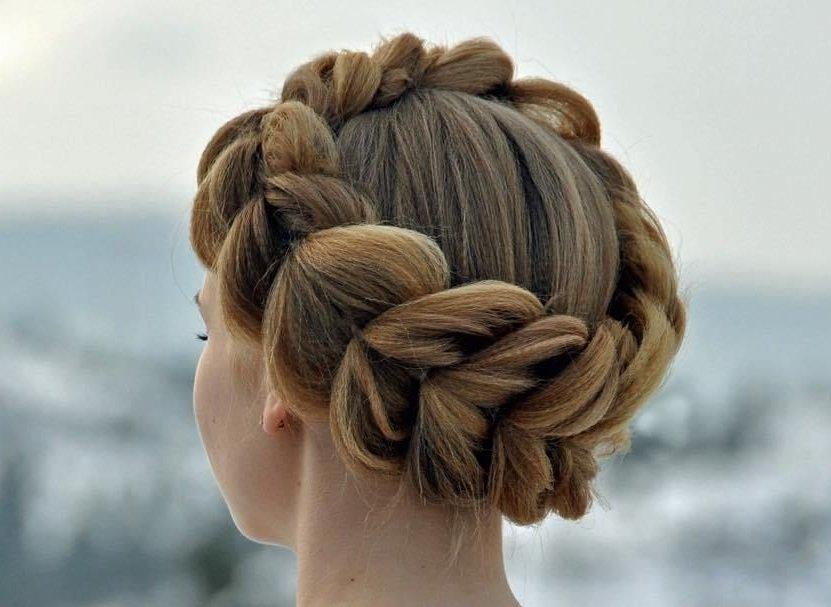 Греческая коса в виде короны