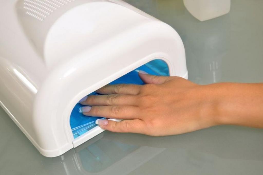 УФ лампа для наращивания ногтей